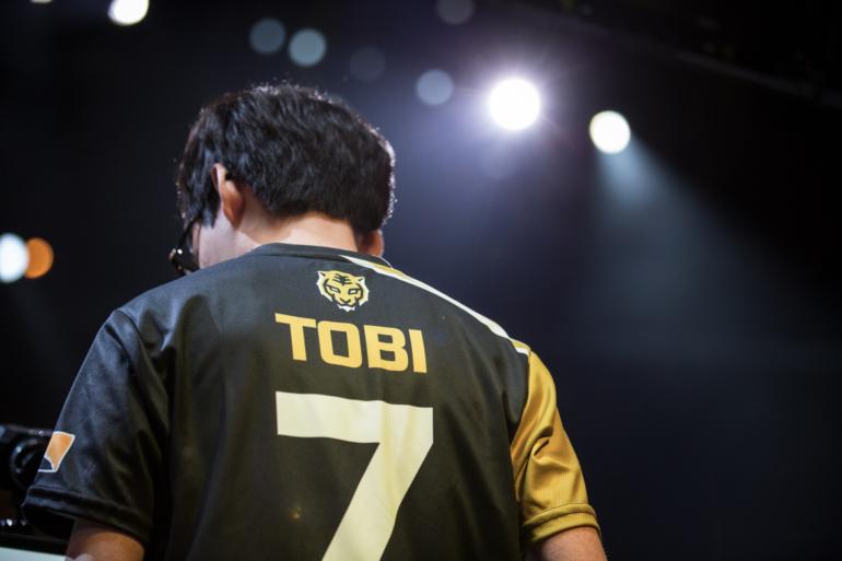 "Jin-Mo ""tobi"" Yang"