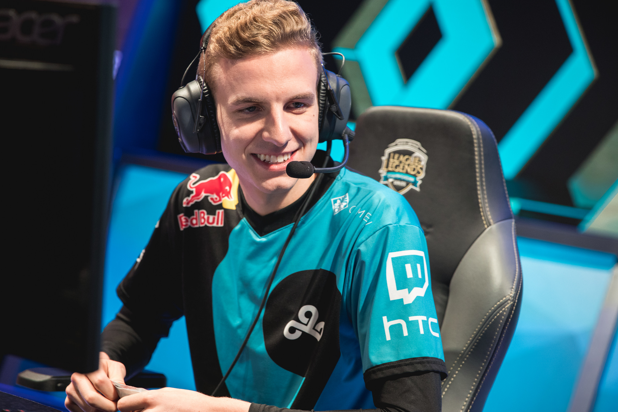 Cloud9 Advance To The Na Lcs Finals After Defeating Tsm In A 5 Game
