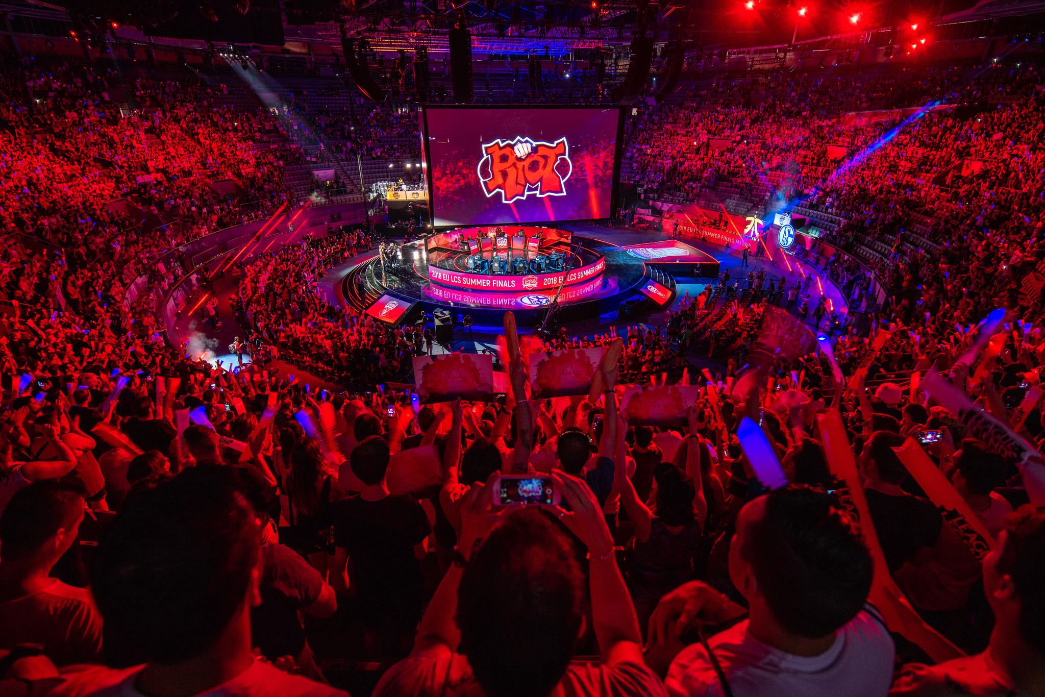 All 10 teams participating in the newly-franchised League of Legends