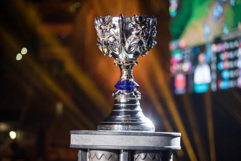 Worlds-Trophy