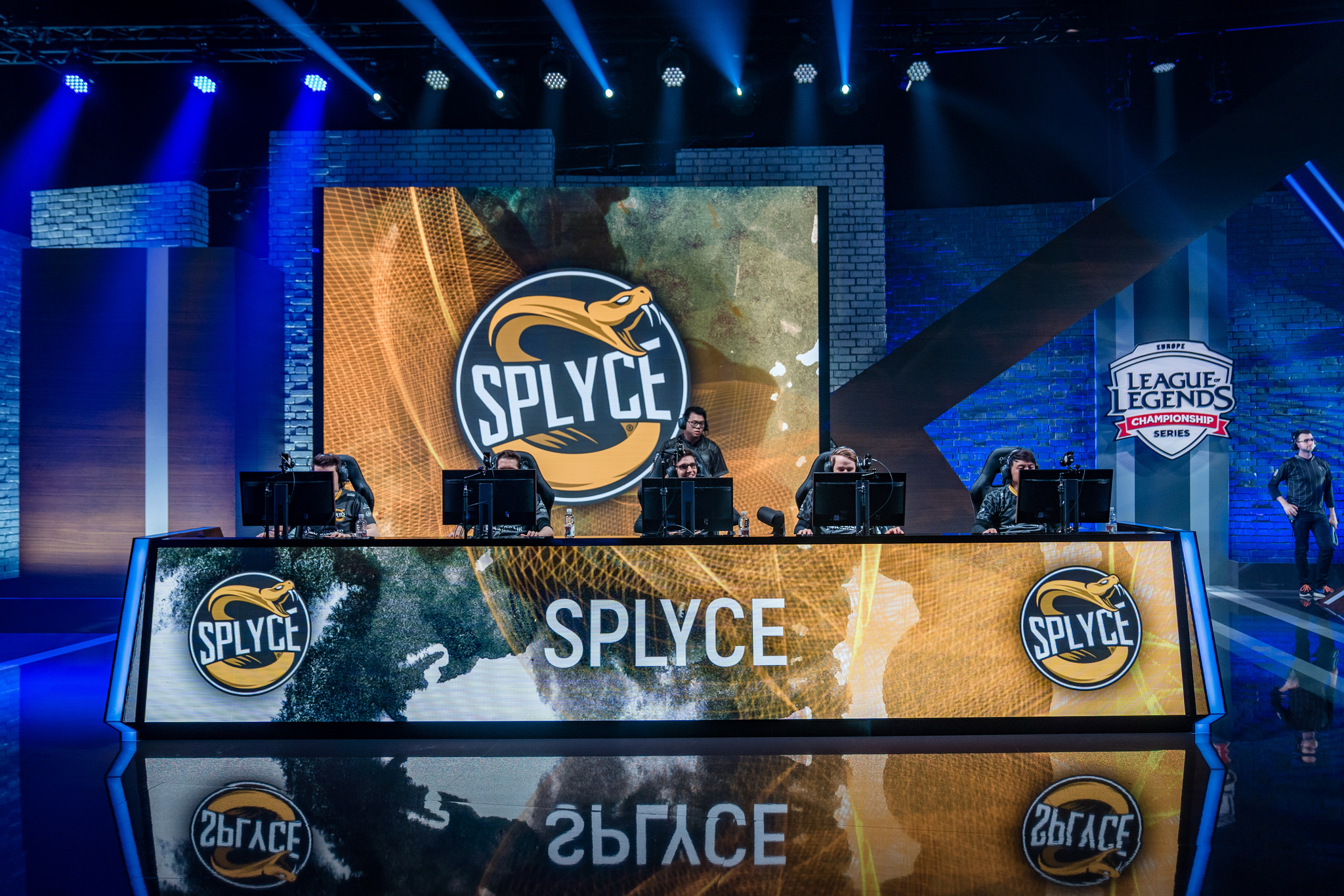 Splyce Completes Its Roster For The 2019 Lec Season Dot Esports