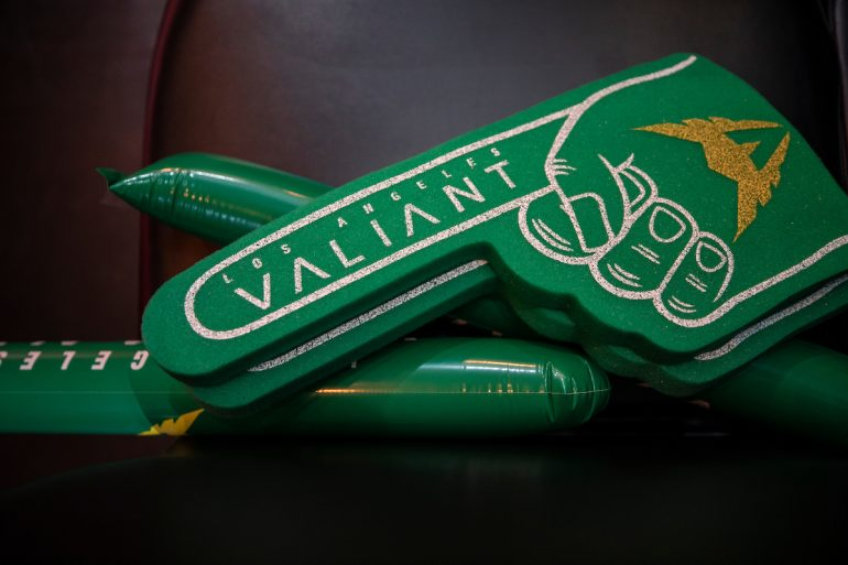 LA Valiant foam finger