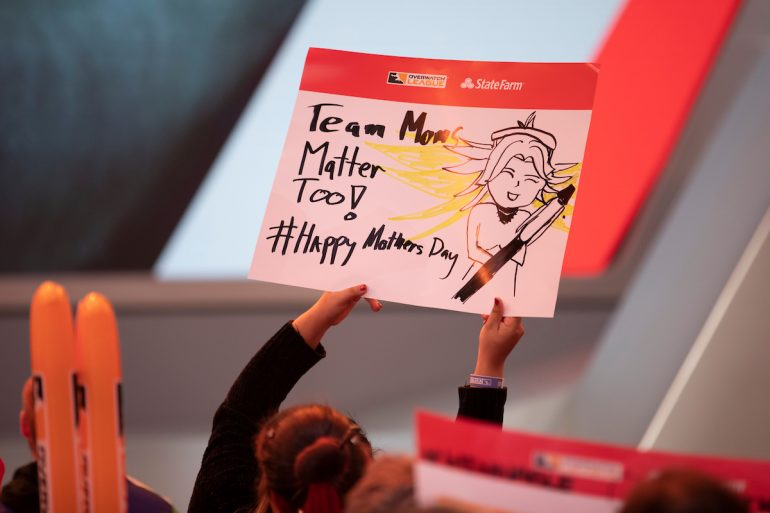 mother's day fan sign