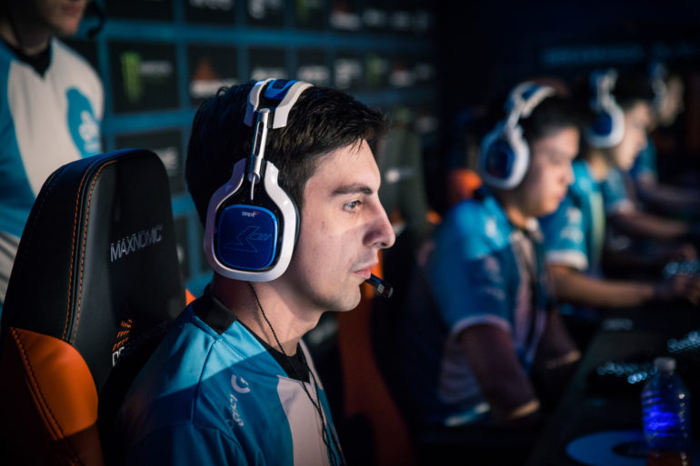 Shroud leaves Twitch, will stream on Mixer